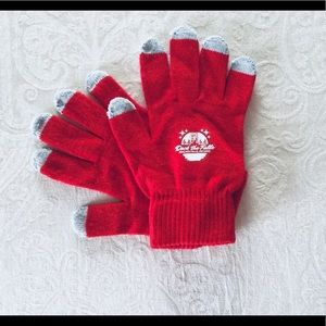Accessories - ☃️Deck the Falls Red Smart Gloves